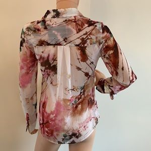 Guess cute blouse
